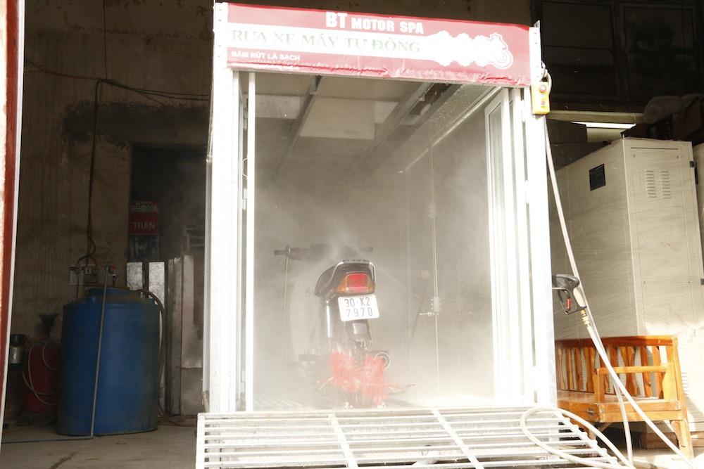Rửa xe máy tự động V5
