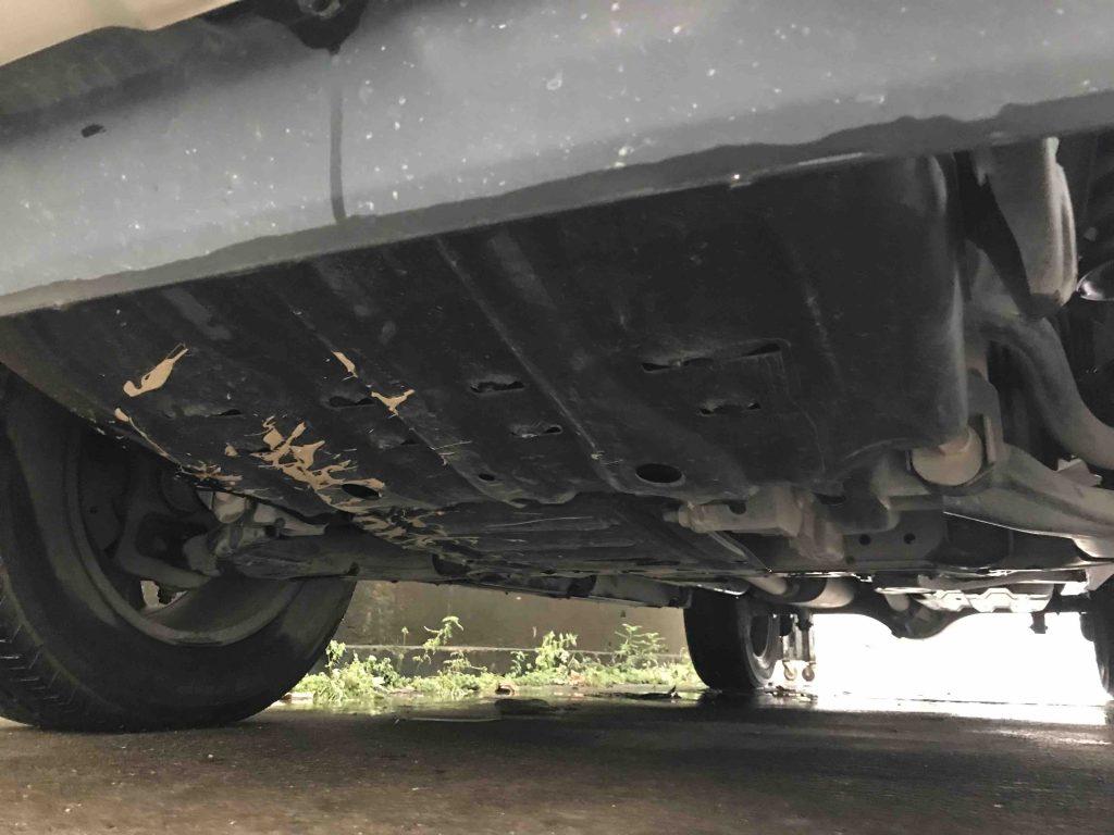 Rửa xe ô tô nhưng chưa rửa gầm