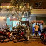 Cà phê rửa xe máy tự động đêm vẫn rửa